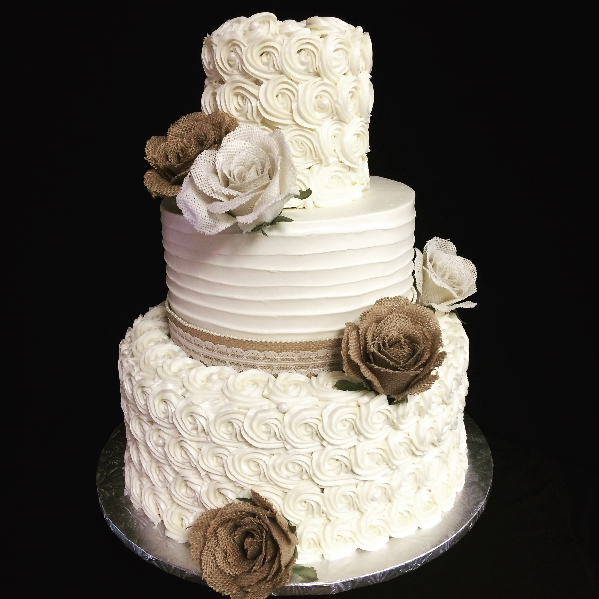 wedding cakes burlap (5)