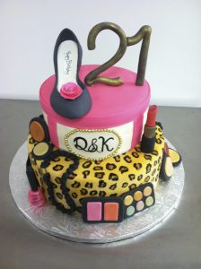 Fashionista, stacked cake - 854F