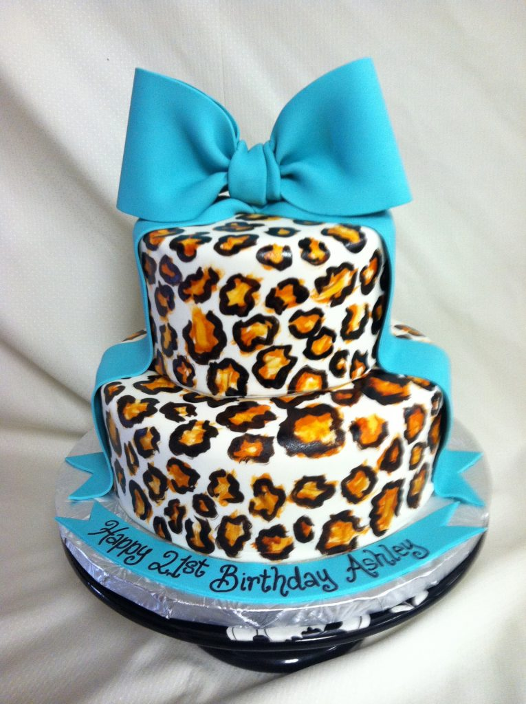 Fondant Leopard Print with Bow - 993F