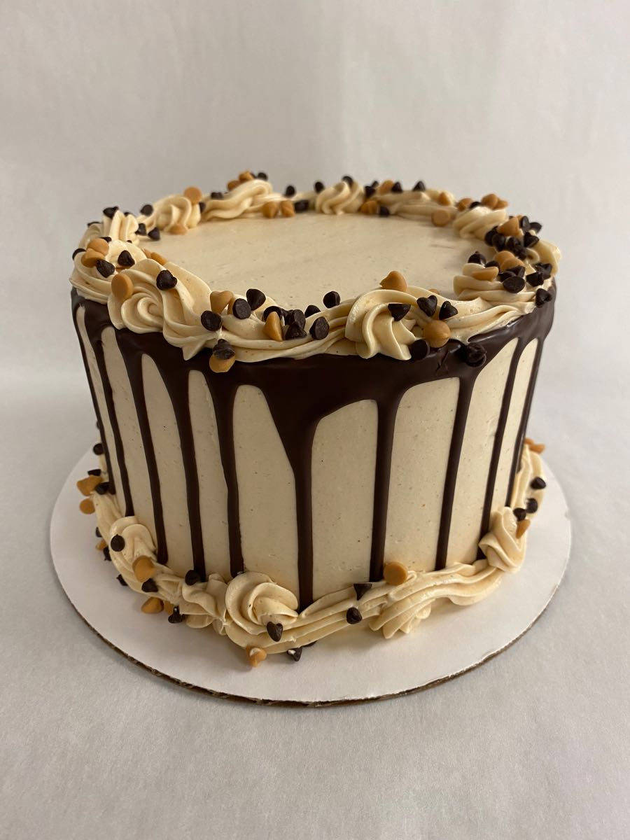 Peanut Butter Chocolate Drip Cake